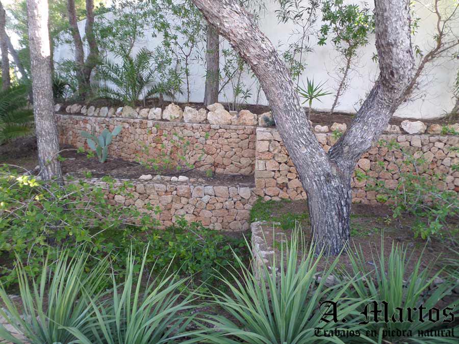 http://picapedreroibiza.com/wp-content/uploads/2017/03/picapedrero-ibiza-trabajos-ibiza-jardineras-21.jpg