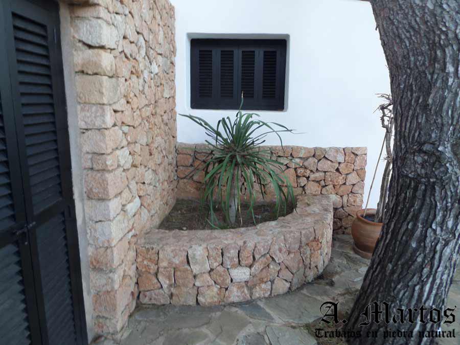 http://picapedreroibiza.com/wp-content/uploads/2017/03/picapedrero-ibiza-trabajos-ibiza-jardineras-31-1.jpg