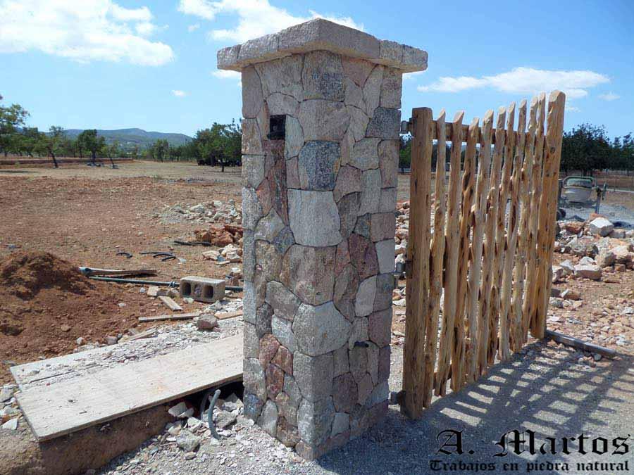http://picapedreroibiza.com/wp-content/uploads/2017/03/picapedrero-ibiza-trabajos-ibiza-pilares-3.jpg